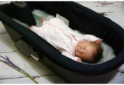 Stokke XPLORY CARRY COT Luxury Sheepskin Lining. Colour choices.