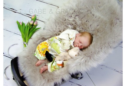 Quinny Buzz Extra Style Luxury Lambskin Pram Liner. Colour choices.