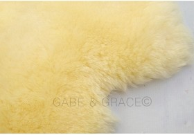 NEW! Orzo Lambskin Buggy / Car Seat / Bassinet Liner. Ideal for MAXI COSI car seats Group 0.